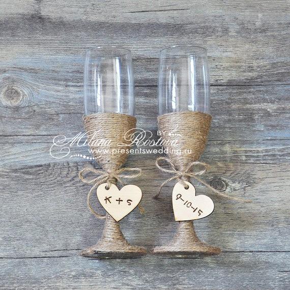 Свадебные бокалы украшенные лентами
