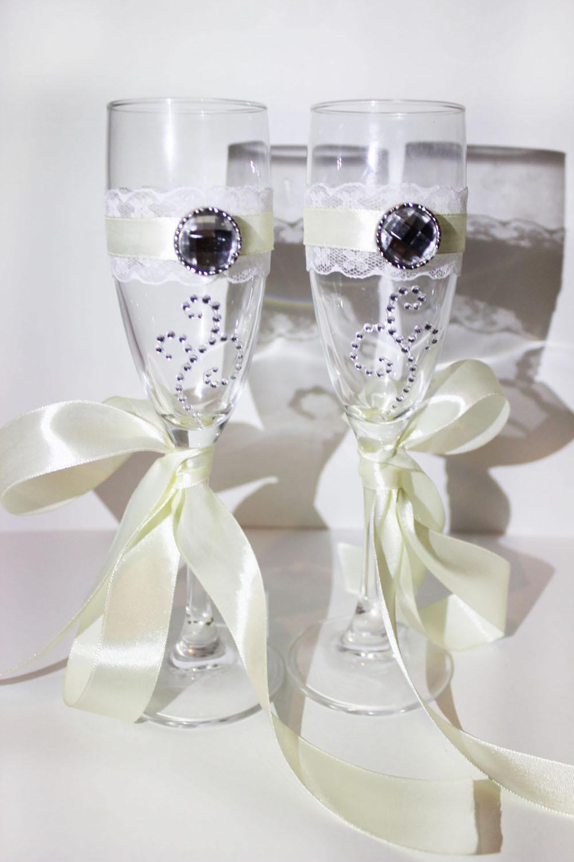 Свадебные бокалы с кружевом и лентами 138